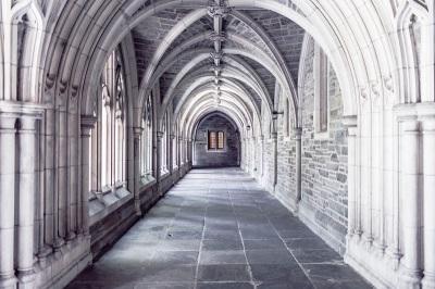 Torbogen_Kirche_klein