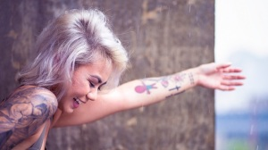 woman_tattoo_smiling